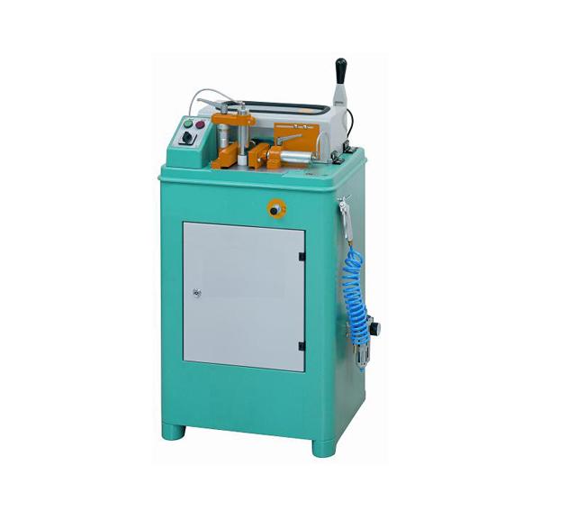 TUCANA-02-M-Manual-End-Milling-Machine Main