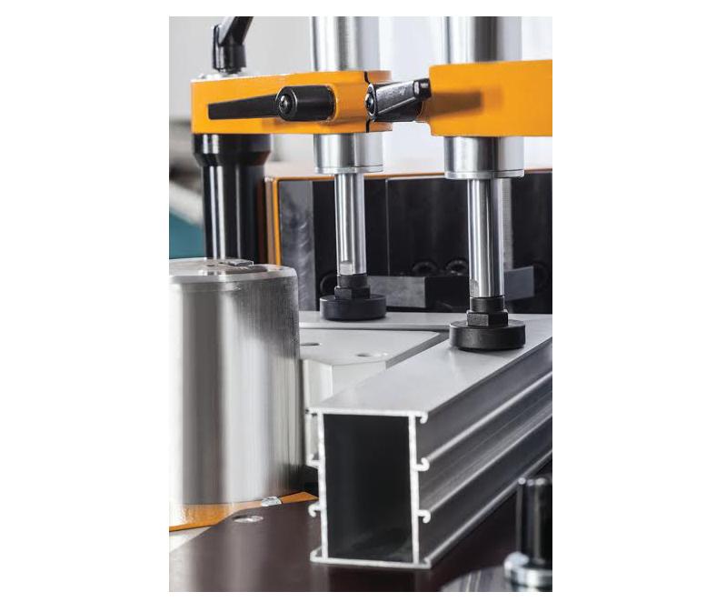 APIS-02 H Hydraulic Corner Crimping Machine 5